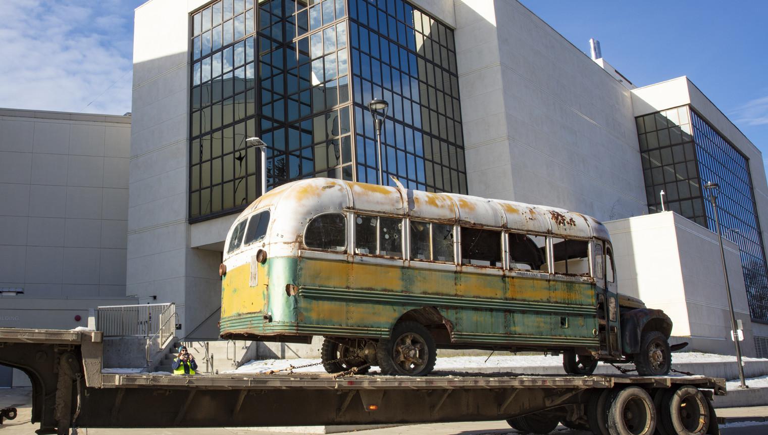 Bus 142 arrives for conservation work