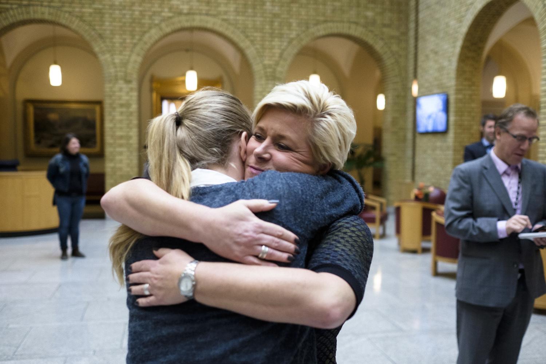 Politisk uenige, men gode venner. Siv og Nina Jensen. (Foto: NTB scanpi/Ole Gunnar Onsøien.
