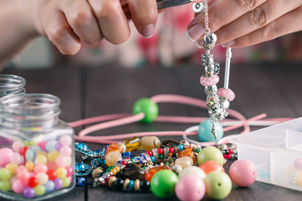 Free Adult Craft workshops