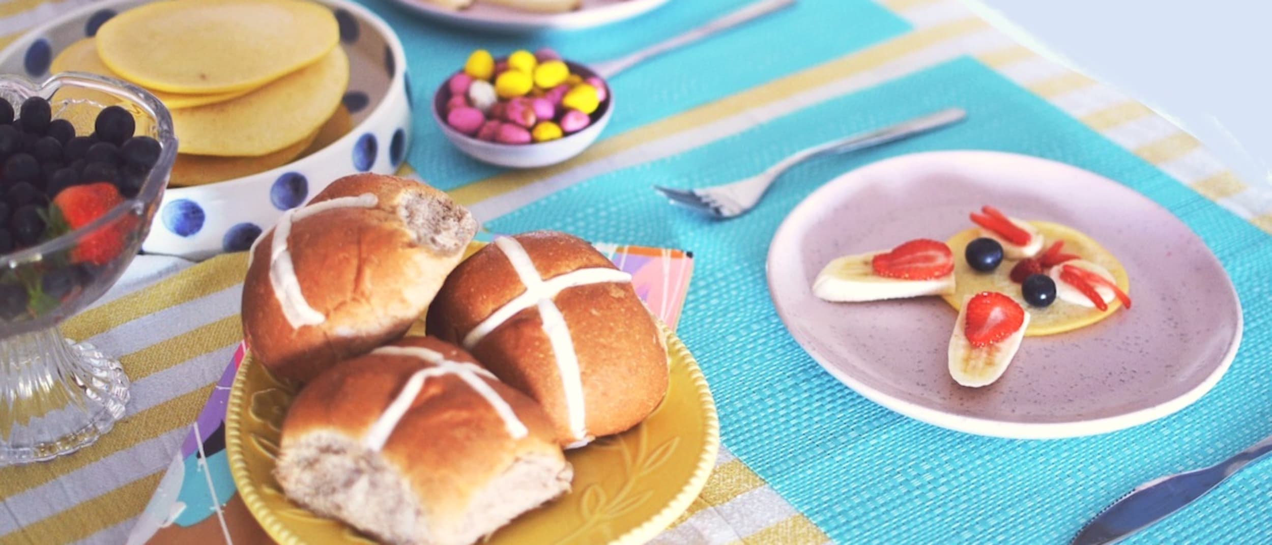 Hot cross bun decorating