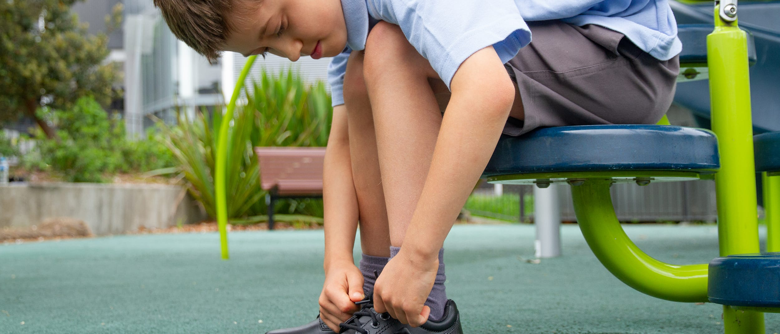 The Athlete's Foot: Learn to tie your shoe laces!