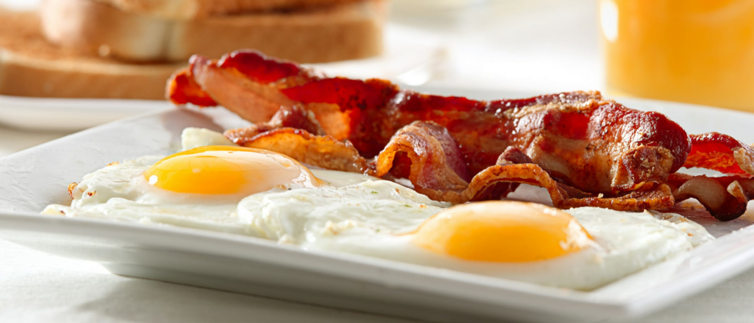 Barcella: bacon, scrambled eggs, hashbrown and toast for $9.90