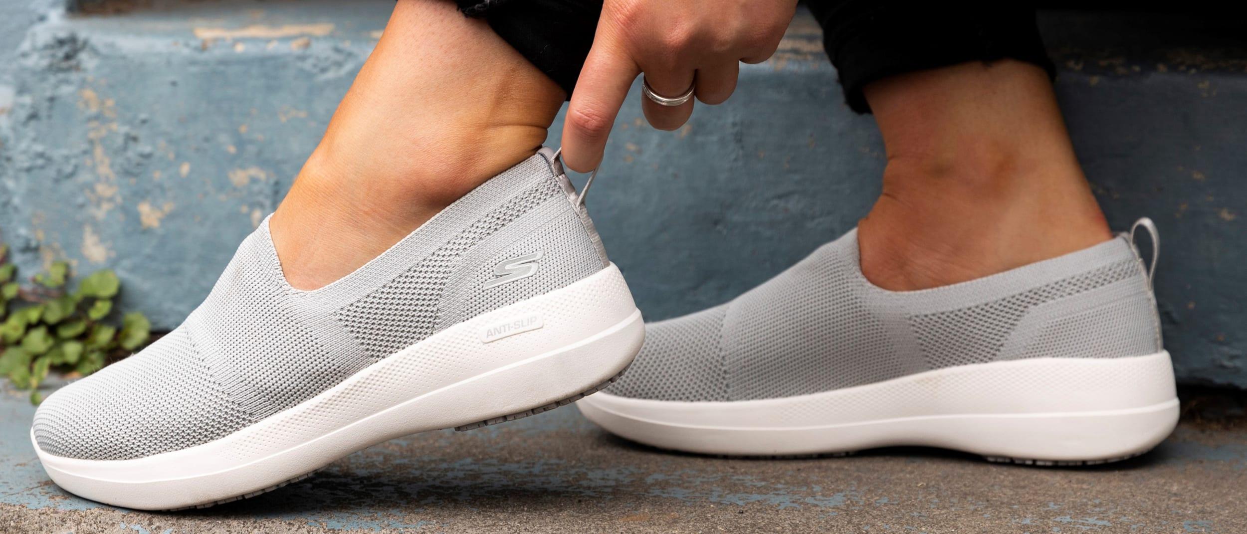Skechers: GOwalk Stability
