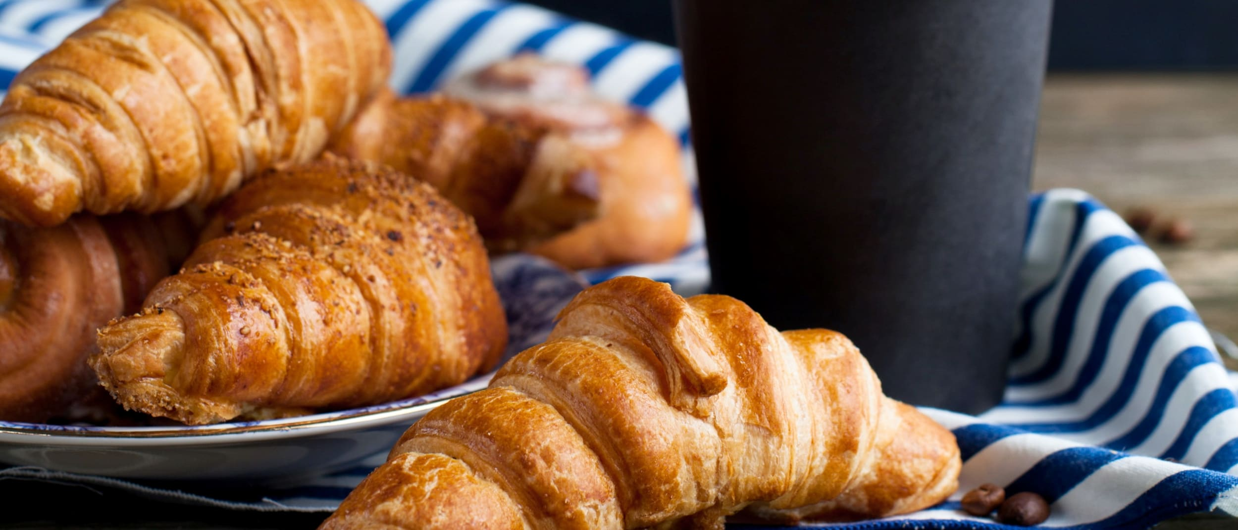 Gloria Jeans: Coffee + ham and cheese croissant $9.99