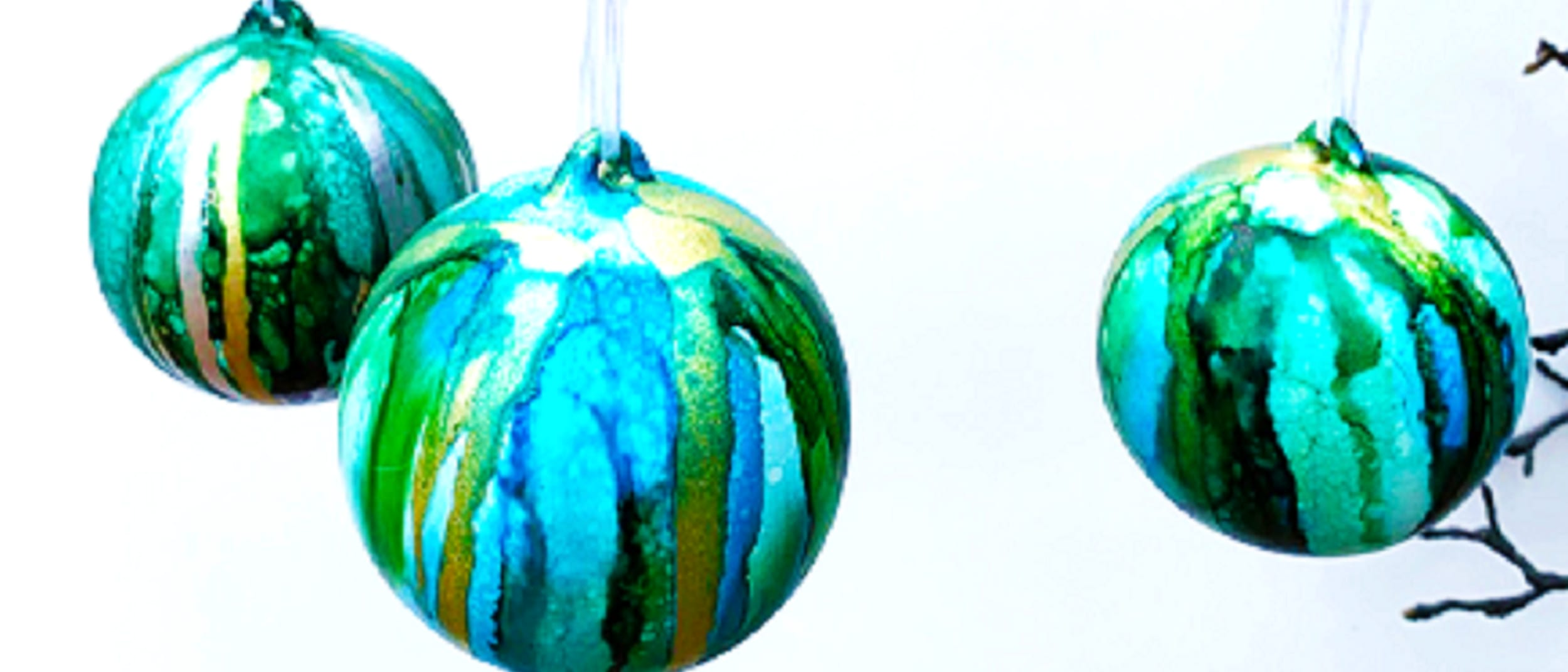 Christmas personalise bauble workshop