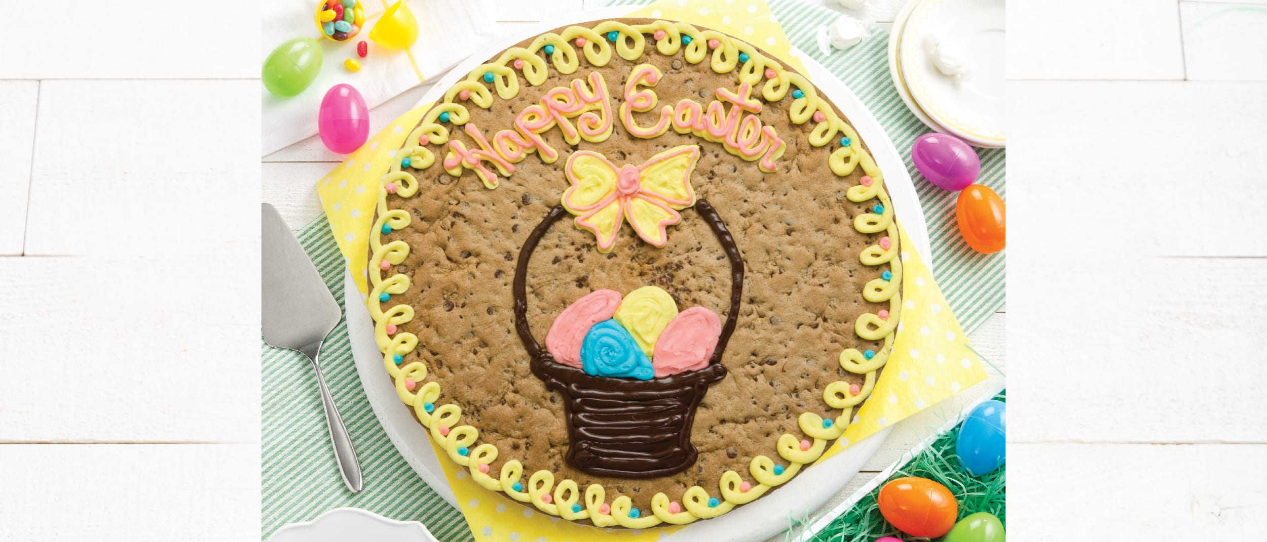 Mrs Fields: Easter cookie cakes