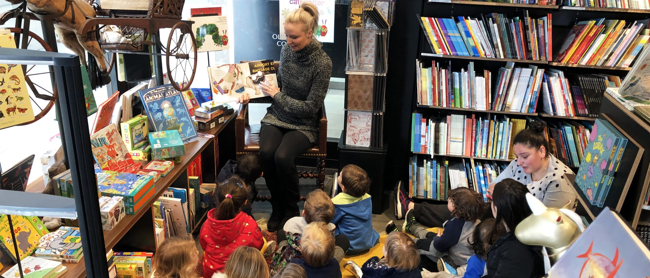Storytime with Frané Lessac at Harry Hartog
