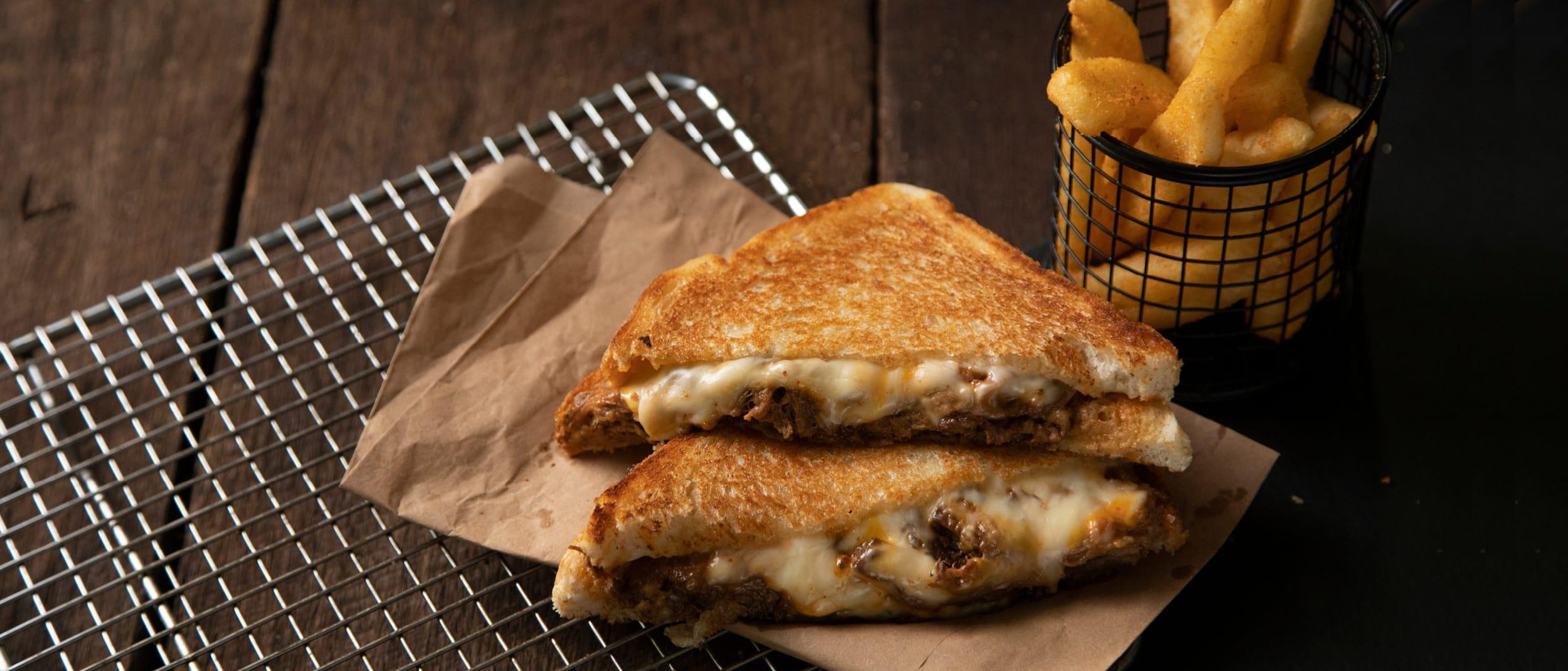 Bucking Bull: Brisket and TRIPLE Cheese Toastie