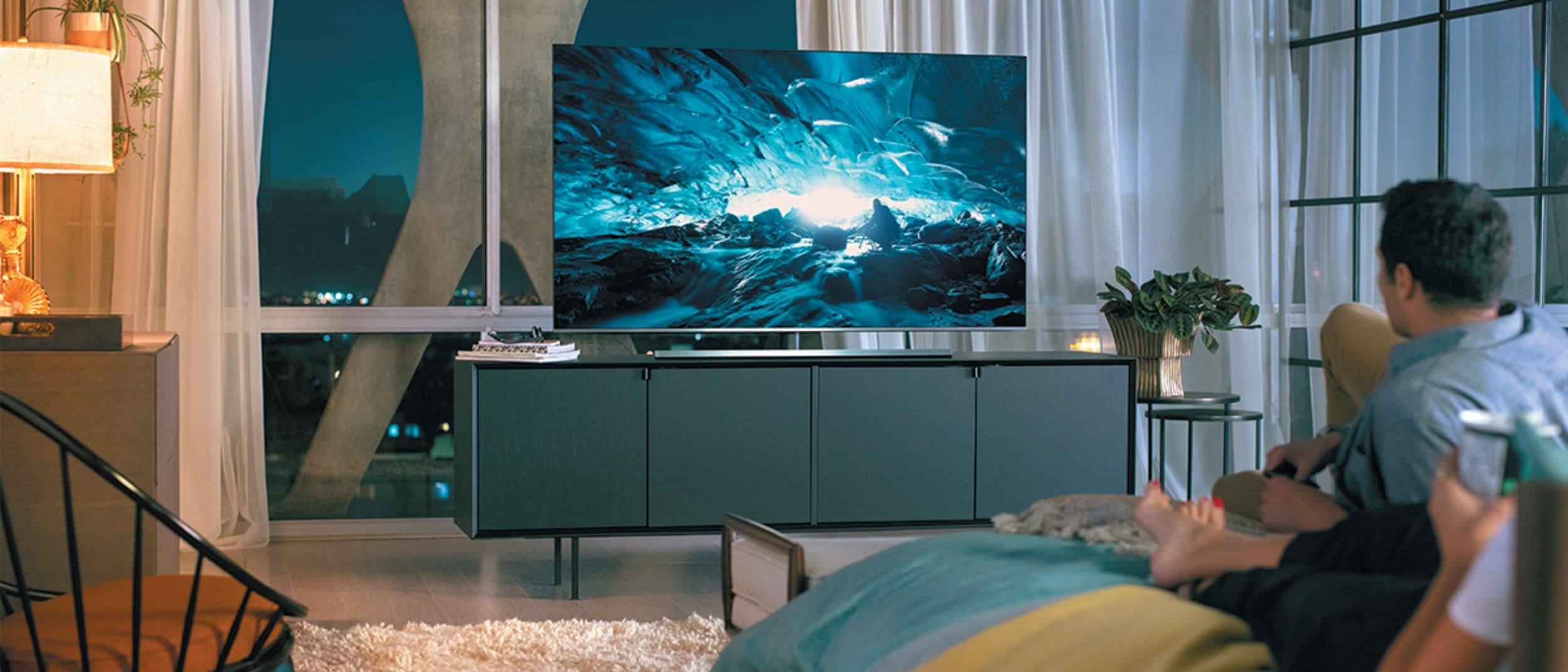 Bing Lee: Free delivery & tabletop install on select premium TVs