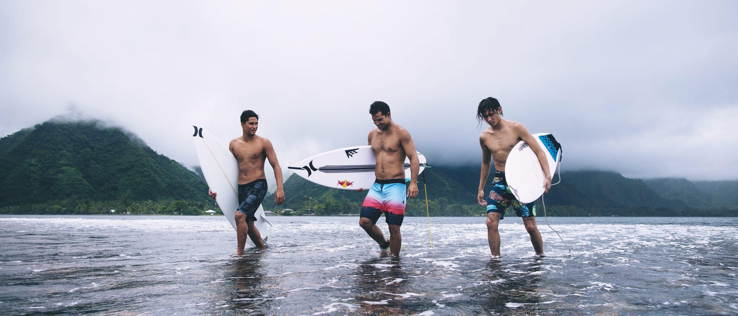 Fresh drop at Ozmosis: men's boardshorts
