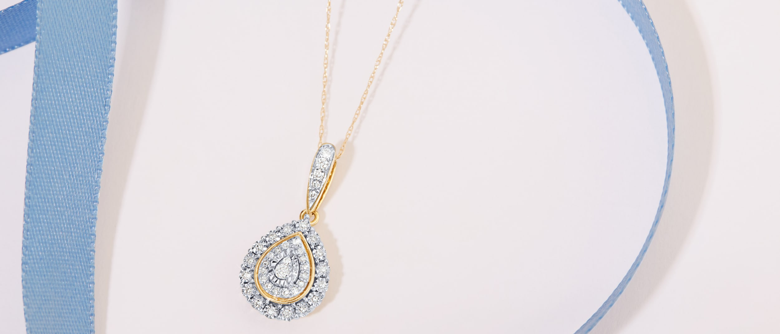 Bevilles Jewellers: Up to 60% Clearance Sale