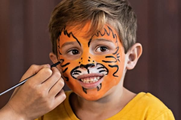 Free face painting and balloon twisting