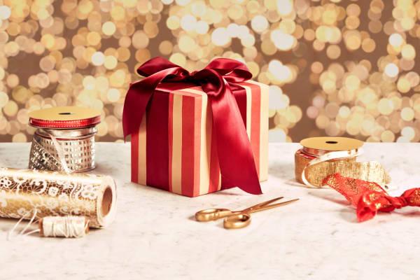 Samaritans Christmas Gift Wrapping