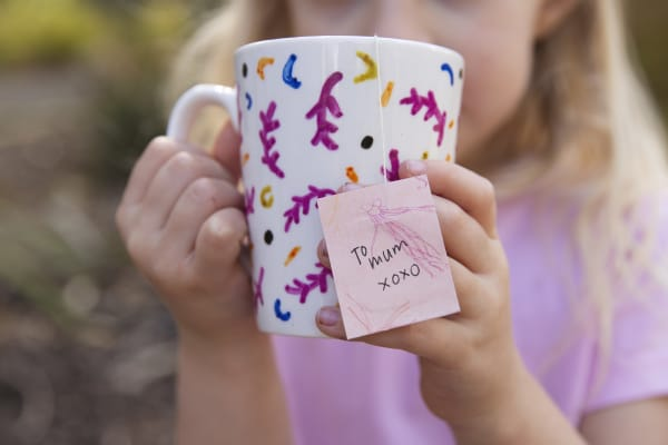 Mother's Day: mug decorating