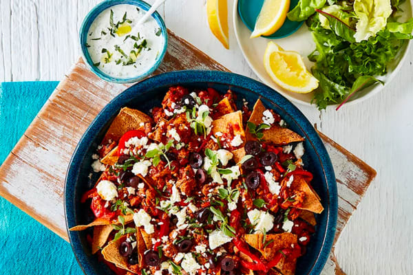 How to make Greek lamb mince nachos