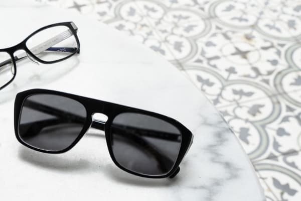 1001 Optical: 2 pairs no gap