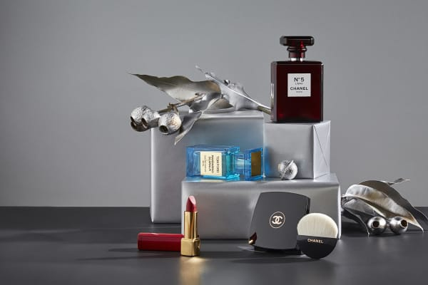 Christmas gifts for her: luxury beauty