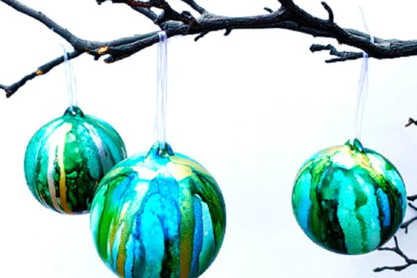 Christmas personalise bauble workshop