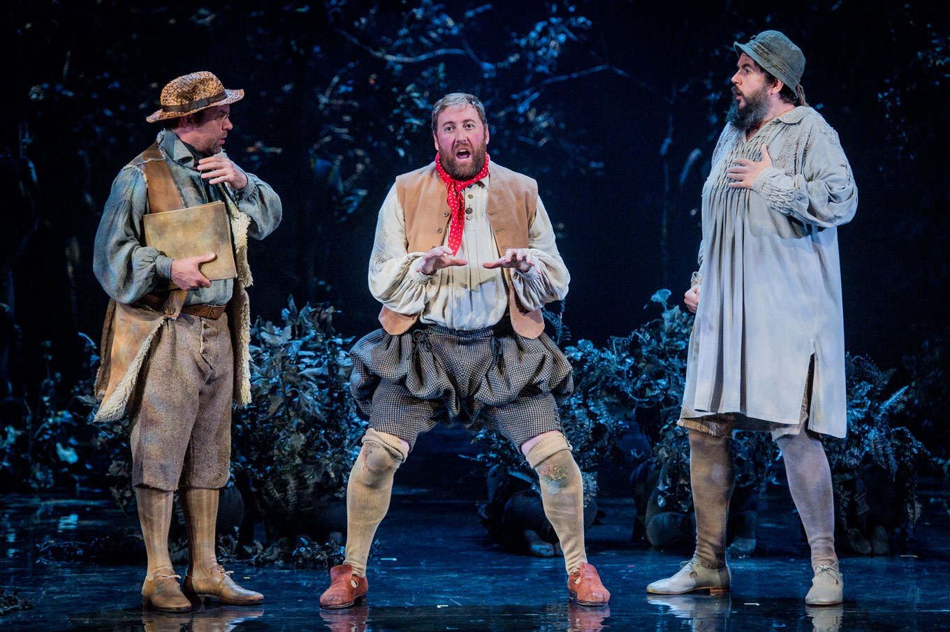 A Midsummer Nights Dream Glyndebourne Festival 2016 Quince David Soar Bottom Matthew Rose And Snug Sion Goronwy Photographer Robert Workman