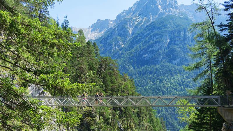Brücke über Klamm