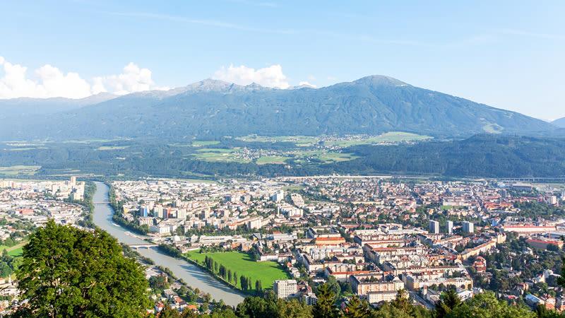 Blick auf den Patscherkofel und Innsbruck