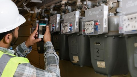Servicing Equipment in the Field With Mobile Smart Devices