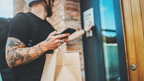 Smartphone Scanning: A Seamless Solution to Verify Deliveries of Age-Restricted Goods