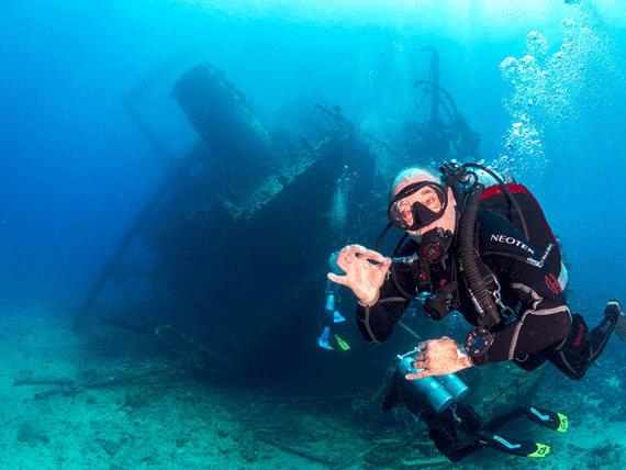 wreck diver naui
