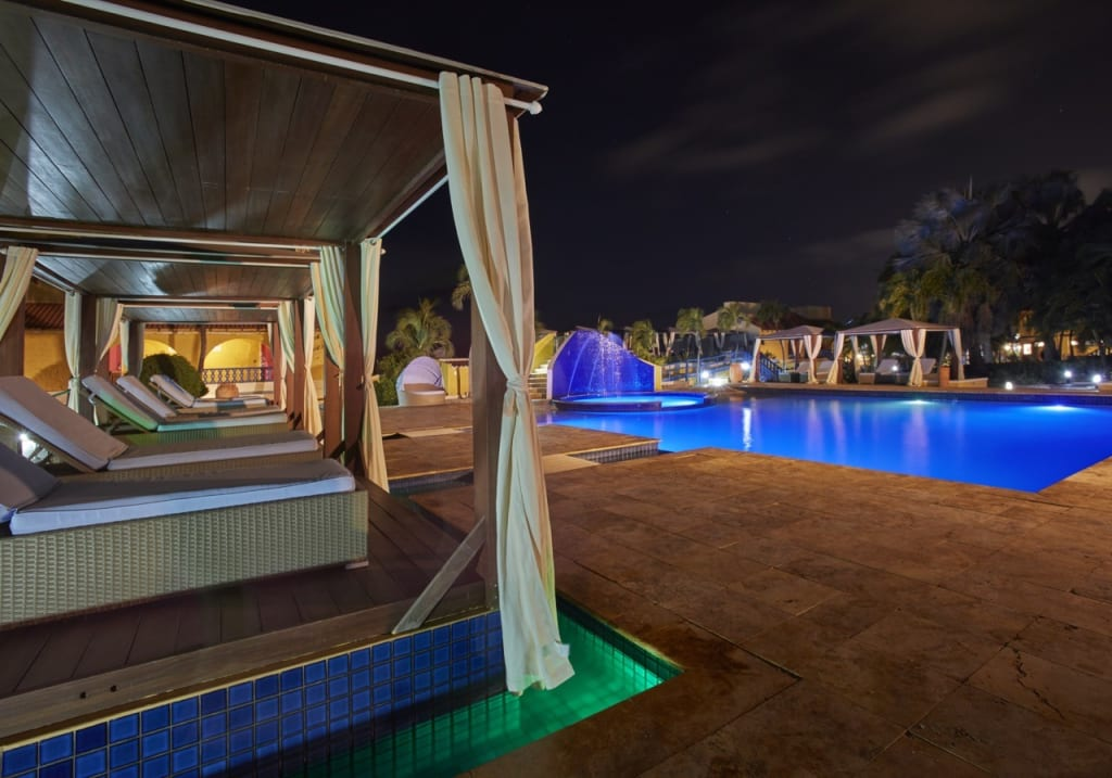 Pileta hotel Flamingo - Bonaire