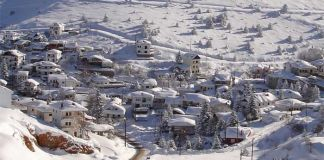 χιονισμενο τοπιο στην Ηπειρο τα Χριστουγεννα
