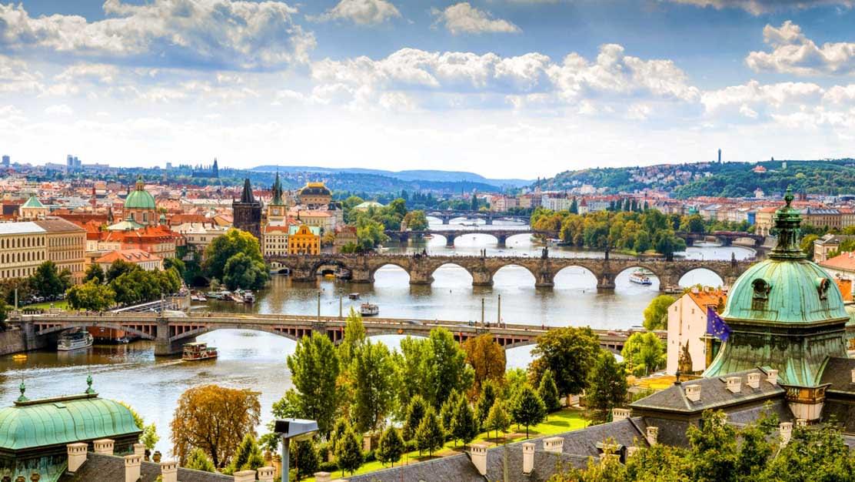 prague-Vltava-River-1112x630
