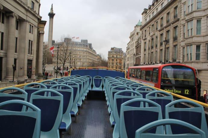 Ξενάγηση με κόκκινα λεωφορεία στο Λονδίνο