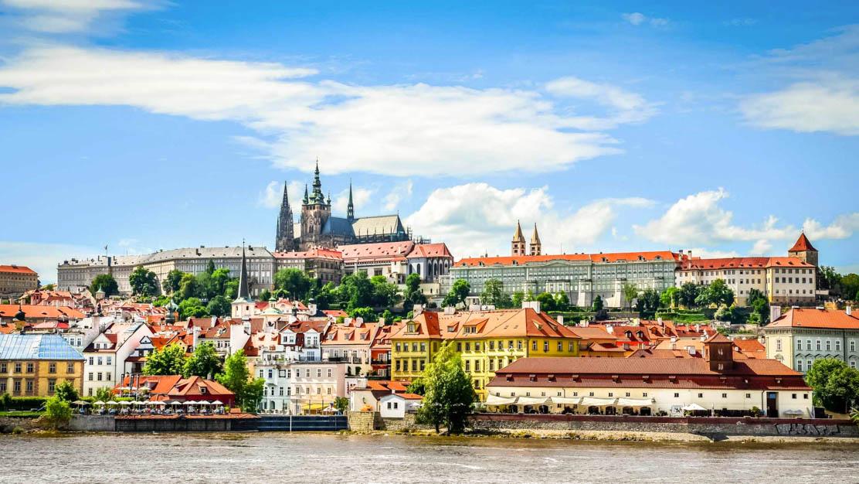prague-Prague-Castle-1112x630
