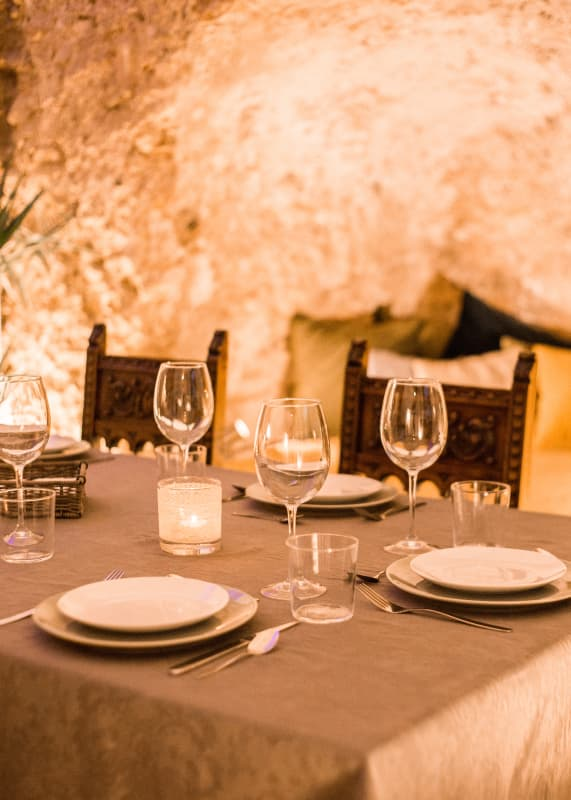 11th Century Dining Venue Table Setting