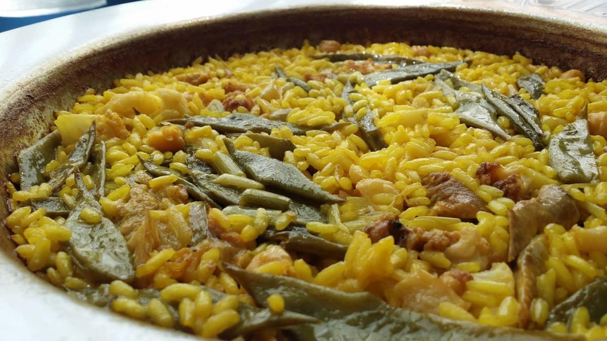 traditional valencian paella
