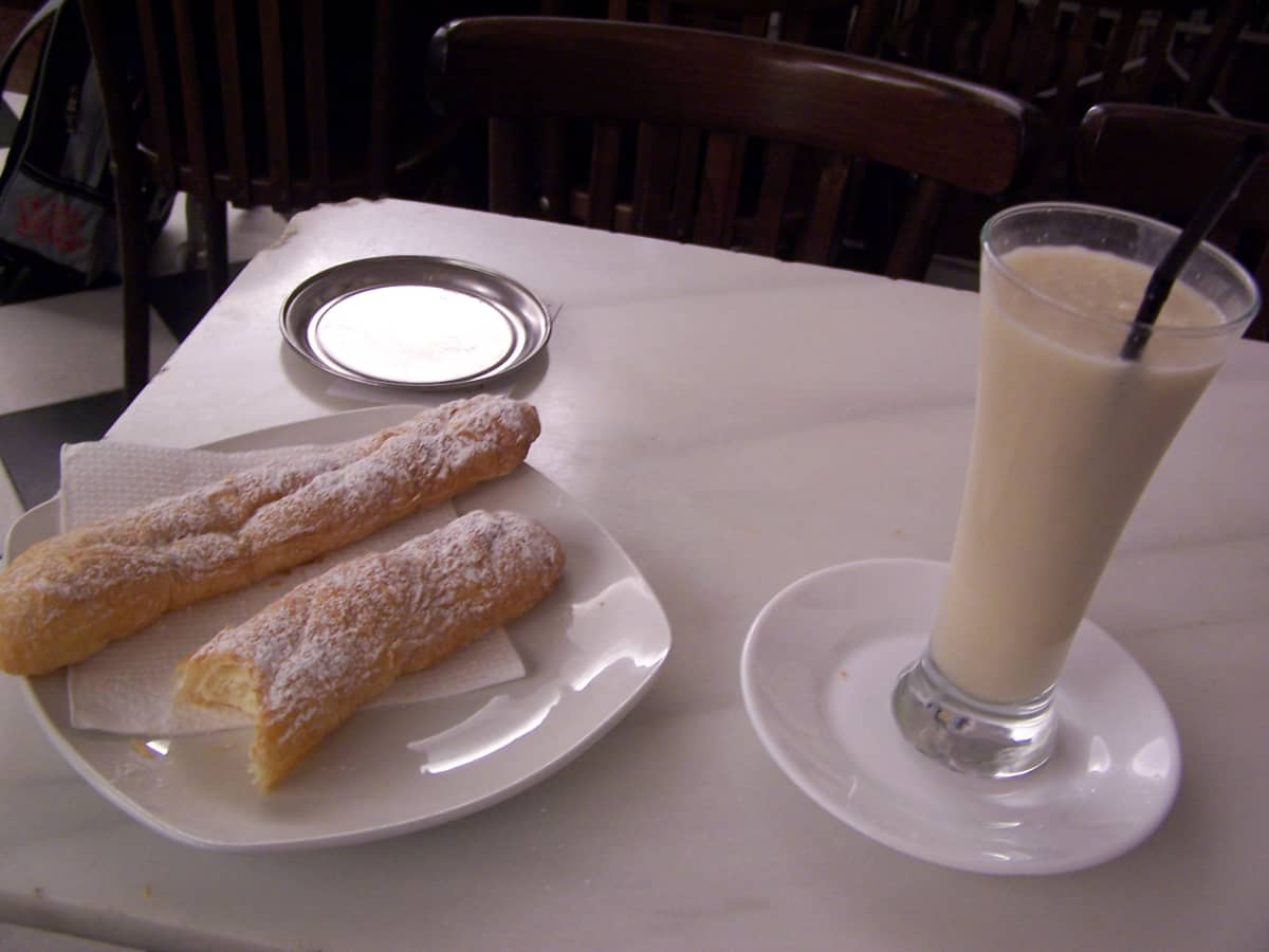 traditional horchata and fartons