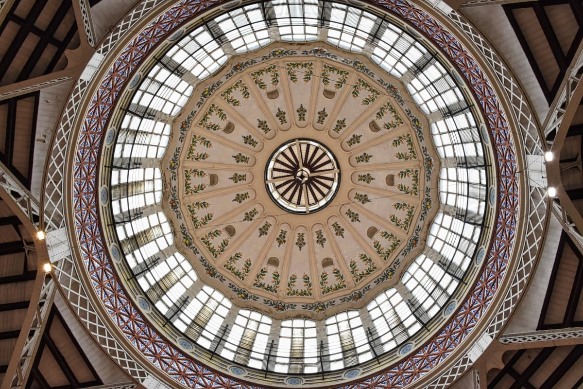 domed ceiling of mercado central