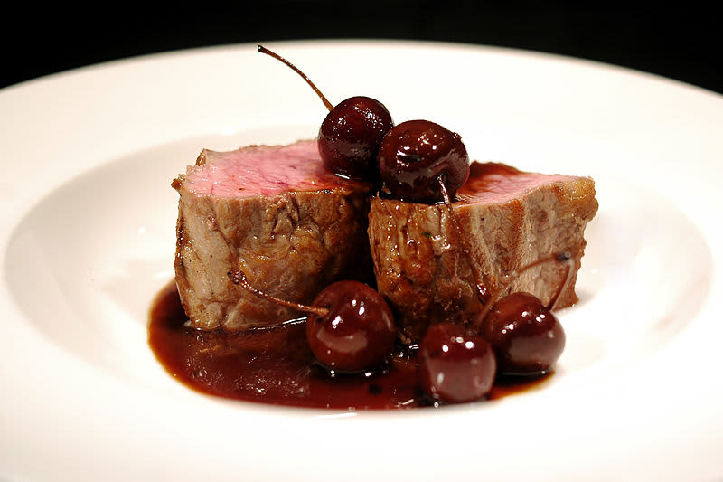 solomillo with cherry jus