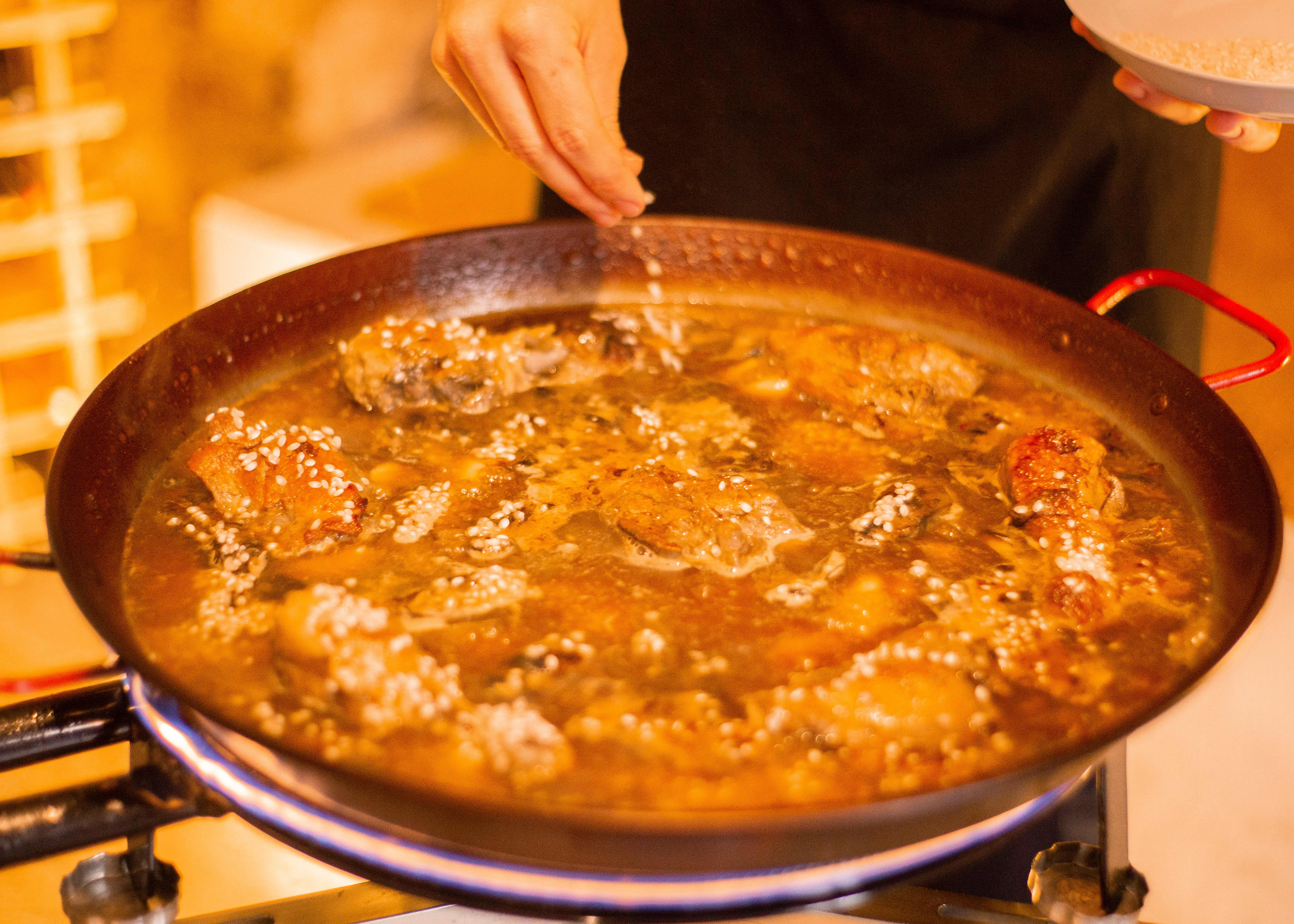 traditional-valencian-paella