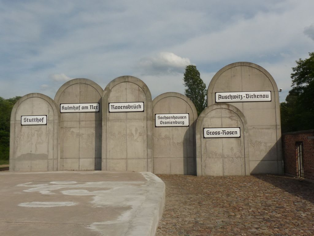station 2 gravestones xtsq5h