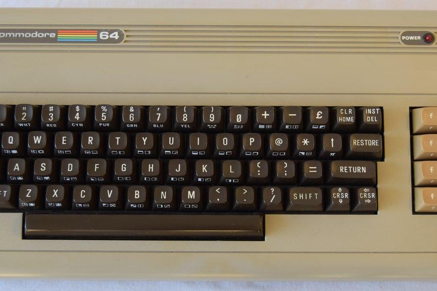 Come usare Arduino per far rinascere il Commodore 64