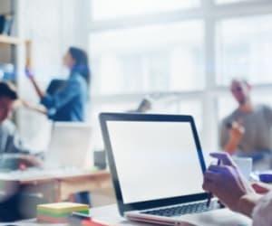 Il est possible de consulter les courriers de son entreprise directement dans son espace en ligne.