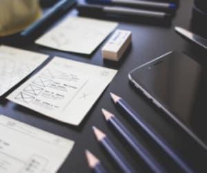Auto-entrepreneur ou Freelance ? Le choix de statut à privilégier dépend de votre activité.