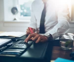 Le statut d'auto-entrepreneur recèle bien des avantages, mais n'en est pas moins soumis à certaines obligations d'ordre comptable.