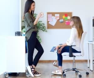 Transformer une entreprise individuelle en société nécessite d'effectuer d'importantes démarches chronophages.
