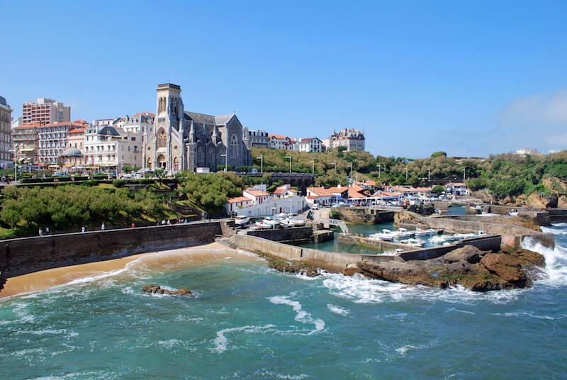Dossier : les avantages de la domiciliation d'entreprise à Biarritz