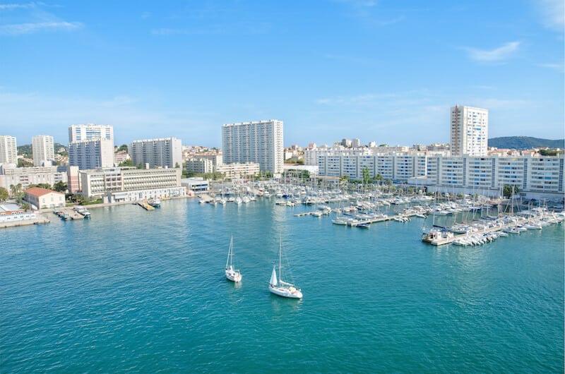 Dossier : domicilier son entreprise à Toulon