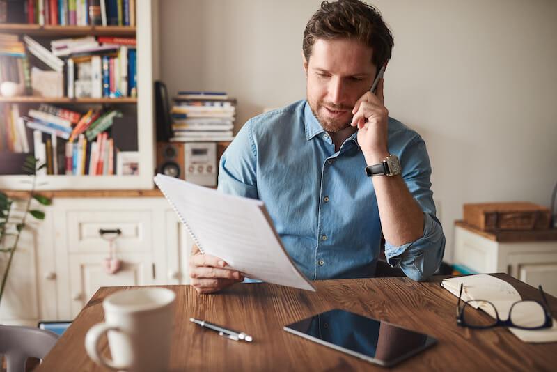 Auto-entrepreneur : un statut avec des caractéristiques particulières qui présente quelques avantages.