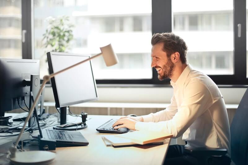 Informaticien : quelles sont les étapes pour se lancer en freelance ?