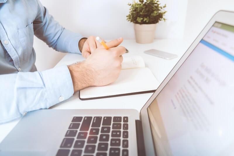 Comment démarrer son activité de freelance ?
